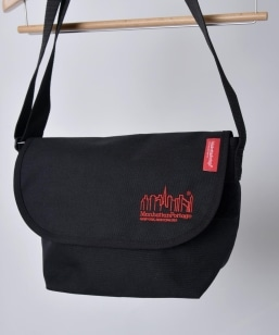 Manhattan Portage: 別注 Embroidery Messenger Bag JR