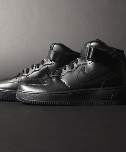 NIKE: AIR FORCE 1 MID