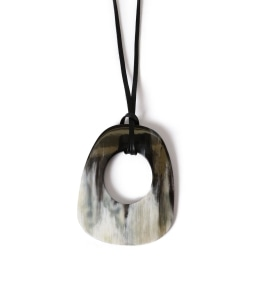 CATHS:BLACK PENDANT